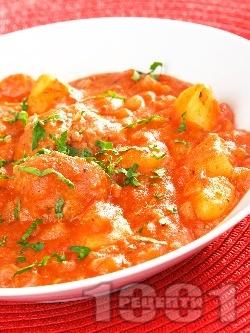 Картофена яхния със кюфтета от свинска кайма и доматен сос (Кюфтета по чирпански без пържене) - снимка на рецептата